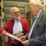 Charisma-Verlag übergibt Medienfundus an Theologische Hochschule